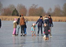 Volop schaatsplezier op natuurijsbaan Bilgaard